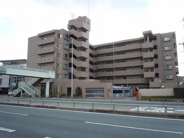 ファミ-ル池田石橋