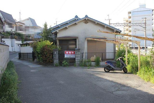 兵庫県川西市滝山町