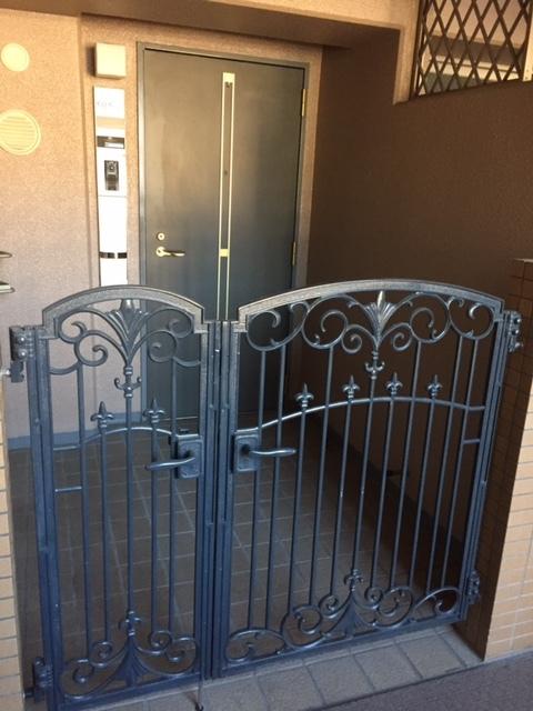 フェアロージュ長居公園 玄関