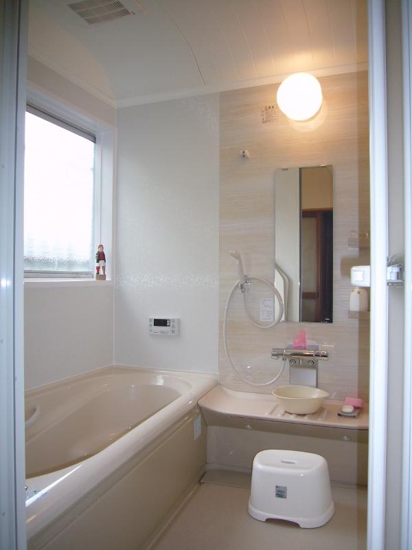 『ピンクとブラウンで落ち着く浴室・洗面空間』 お風呂 ...