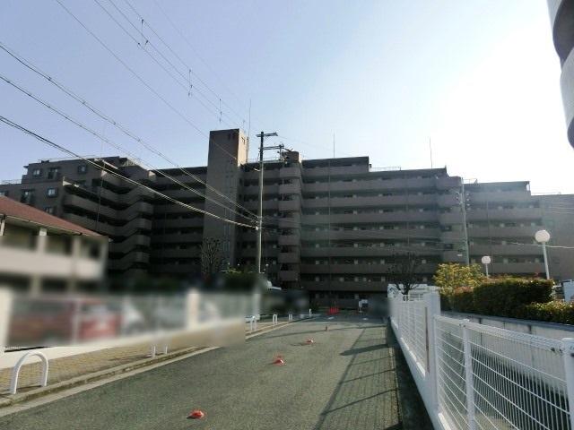 ファミ-ル岸和田パ-クスクエア