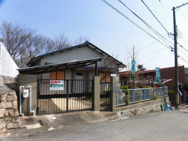 兵庫県宝塚市雲雀丘